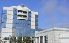 県産業情報センタービル写真